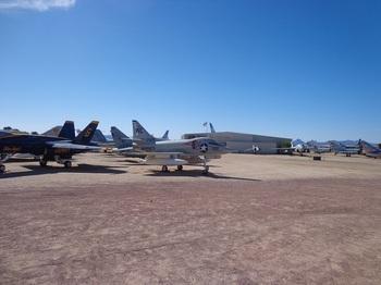 ピマ展示飛行機.JPG