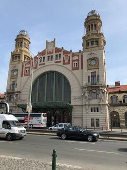 プラハ駅内部外観2.jpg